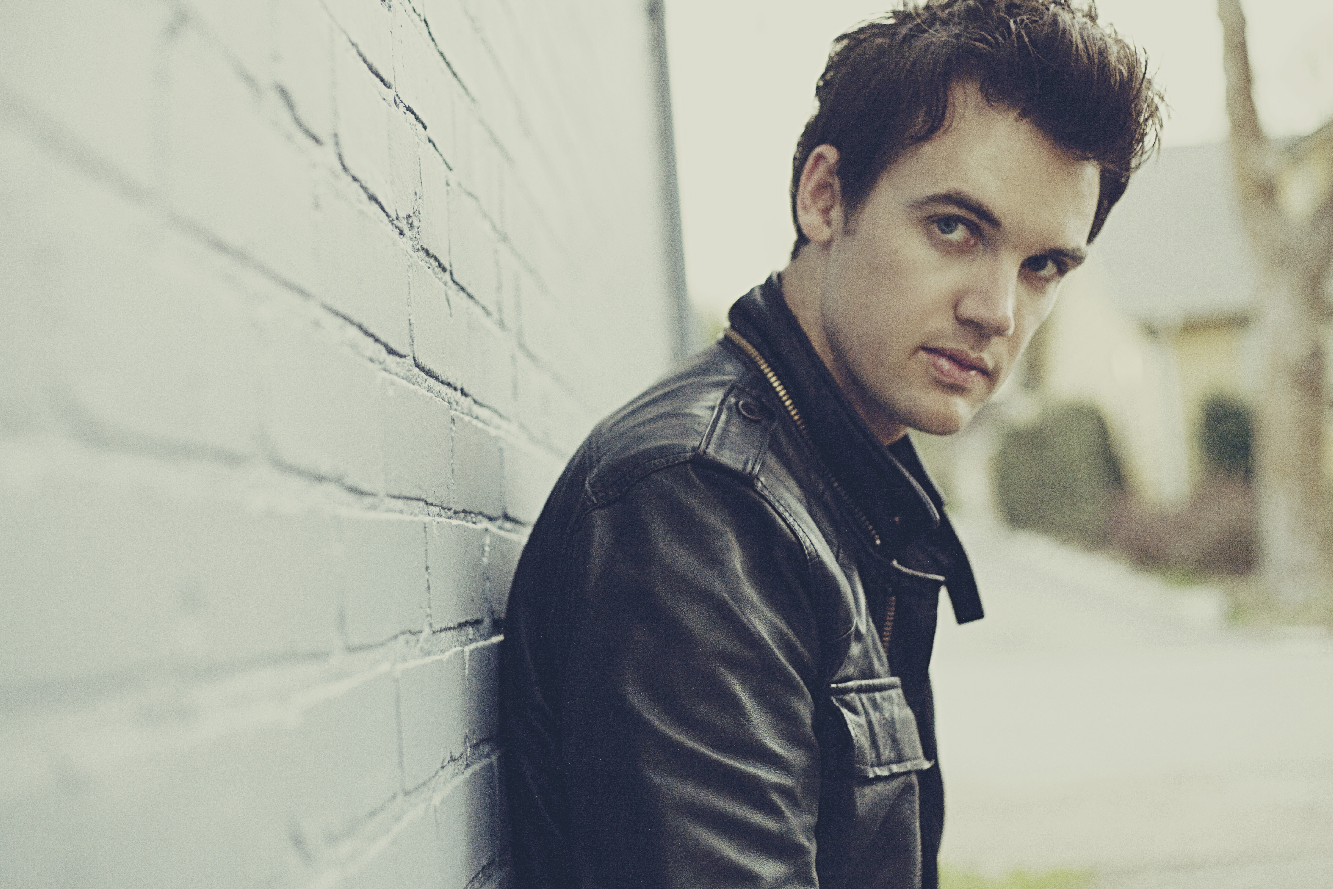 Tyler Hilton Interview,