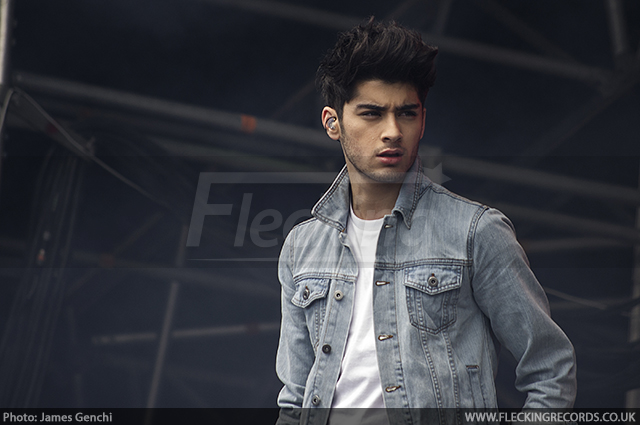 Zayn Malik makes Twitter comeback for fans