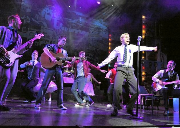 Dreamboats and Petticoats review – Edinburgh Playhouse