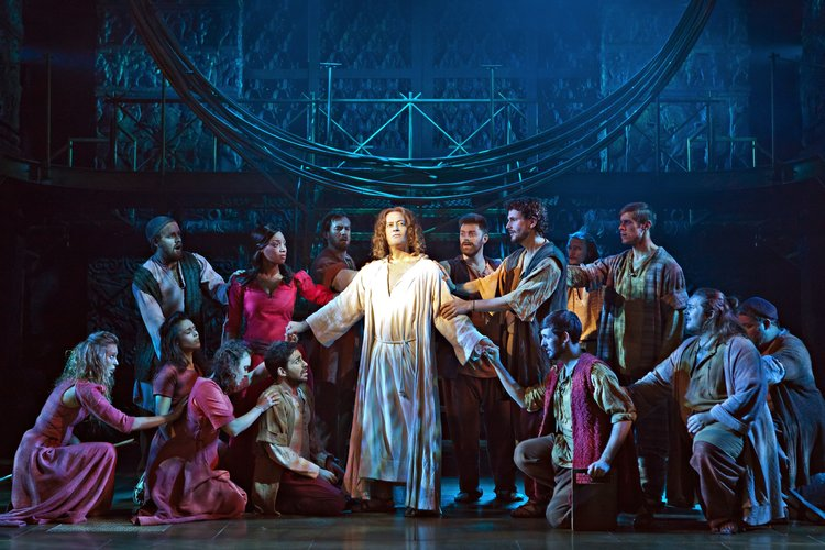 X Factor stars perform in Jesus Christ Superstar!