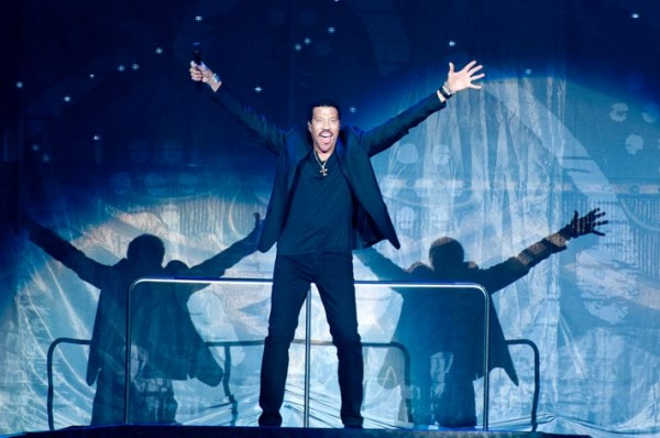Review: Lionel Richie – Edinburgh Castle Esplanade