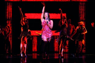 rsz_alexandra_burke_in_the_bodyguard_photograph_of_west_end_production_-_5385_-_photo_by_paul_coltas